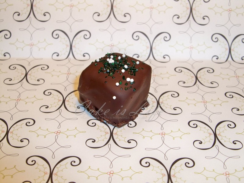 DarkMint Fluffer: A peppermint marshmallow covered in dark chocolate and sprinkled with green sugar and white nonpareils.